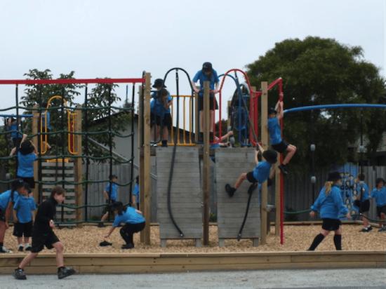 Parque infantil Colegio en Nueva Zelanda Christchurch-1