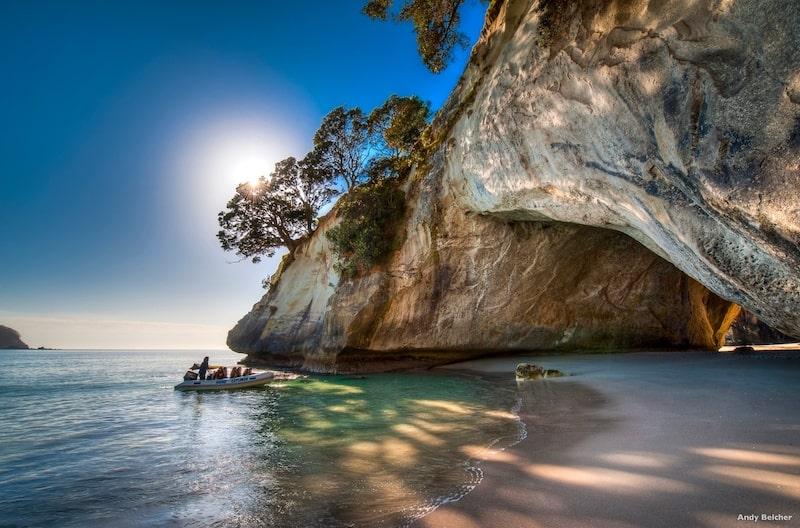 Inmigración en la Skilled Migrant Visa de Nueva Zelanda. Playa de Coromandel en Nueva Zelanda